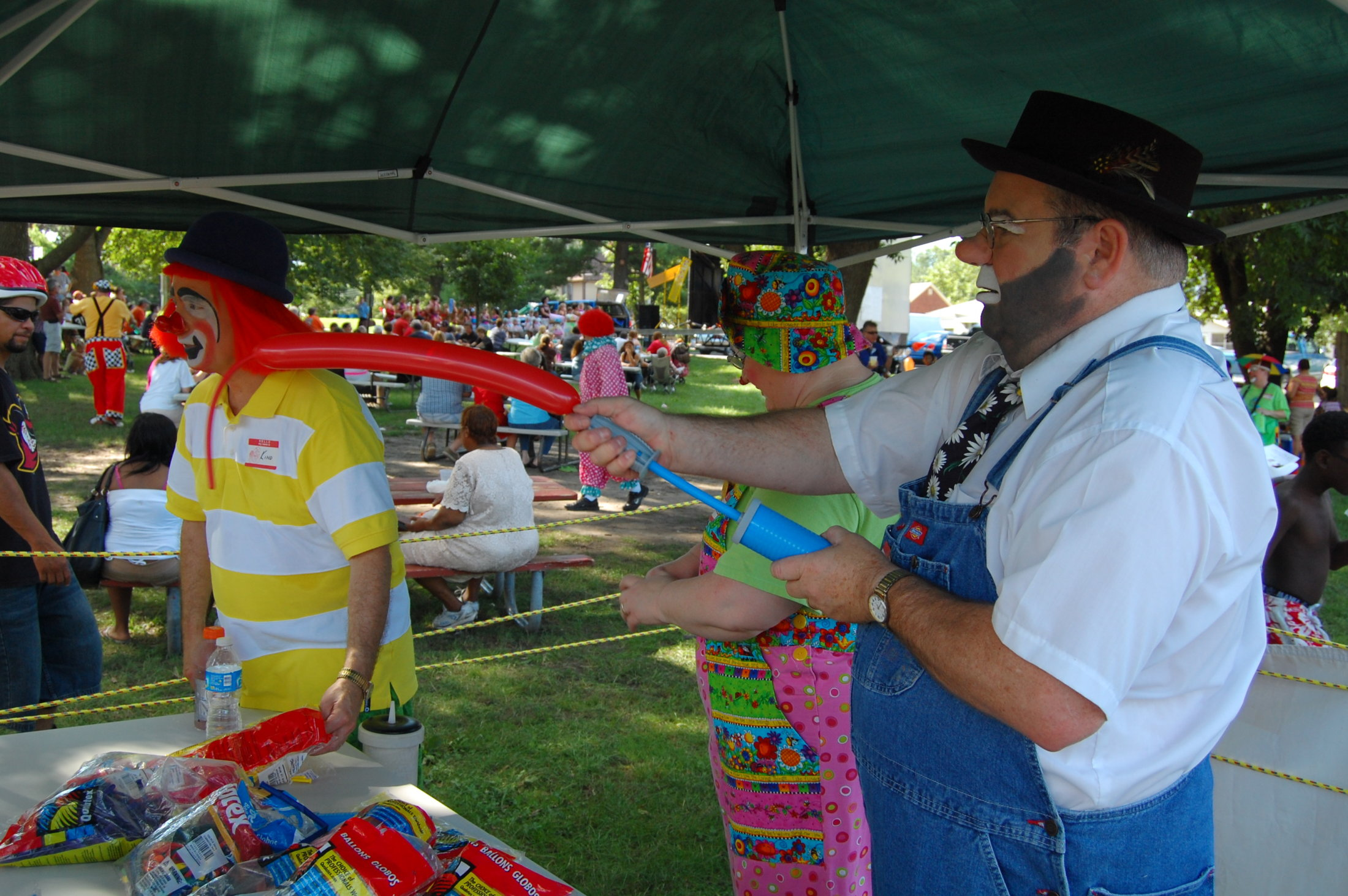 Clowns At The Carousel 2010 (029)