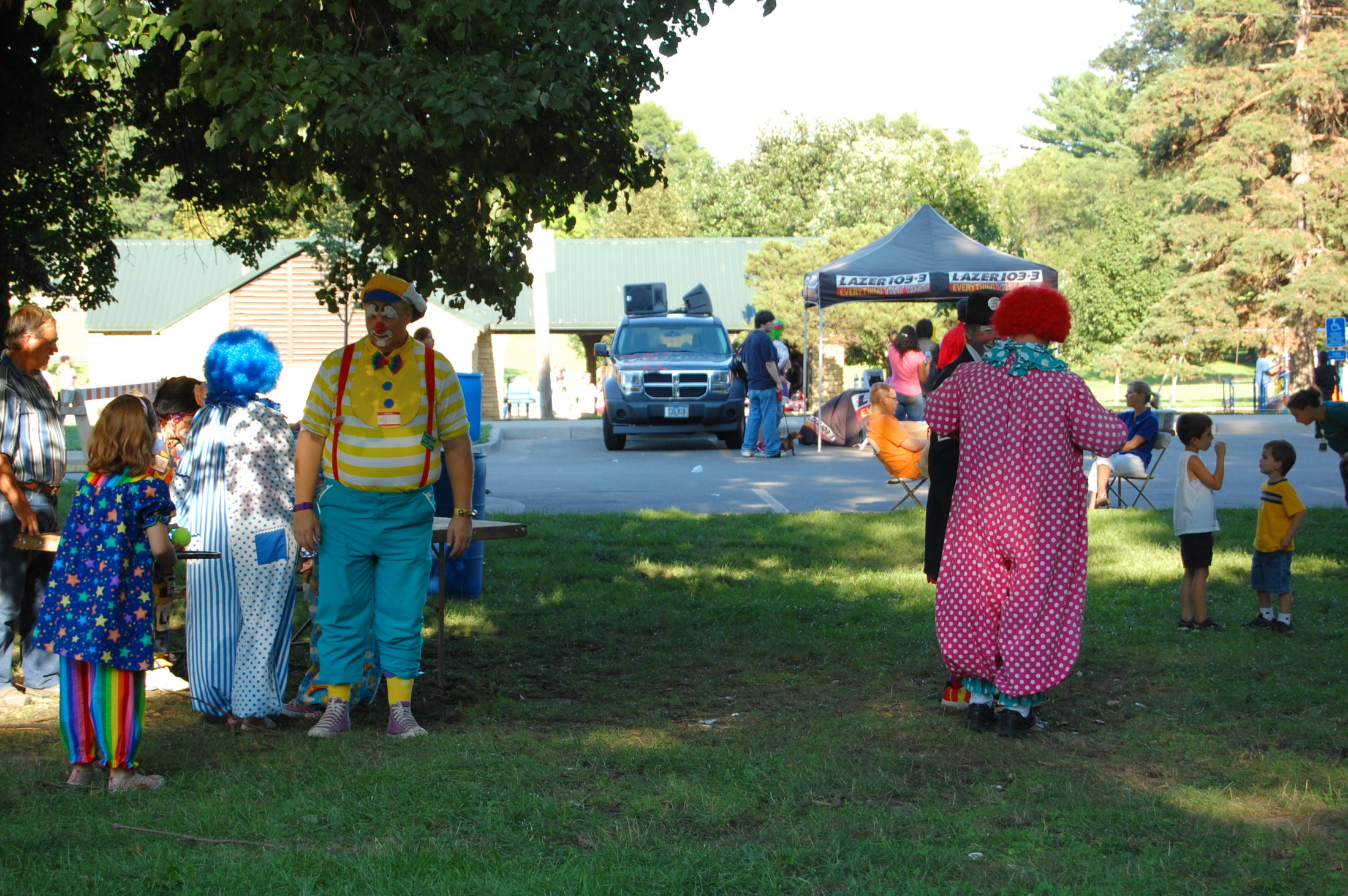 Clowns At The Carousel 2010 (040)