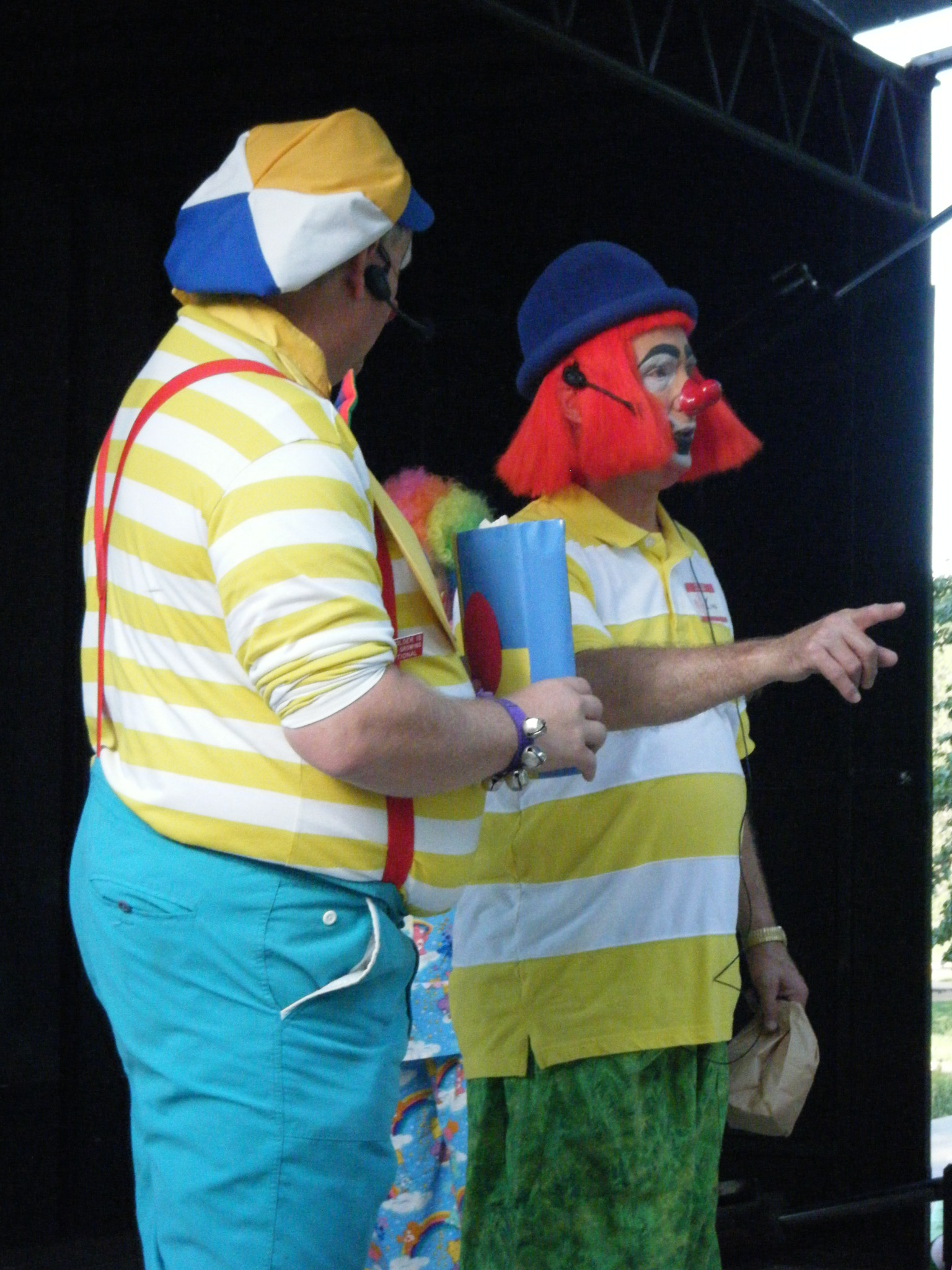 Clowns At The Carousel 2010 (167)